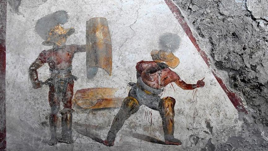 Pompeii'de gladyatör freski bulundu
