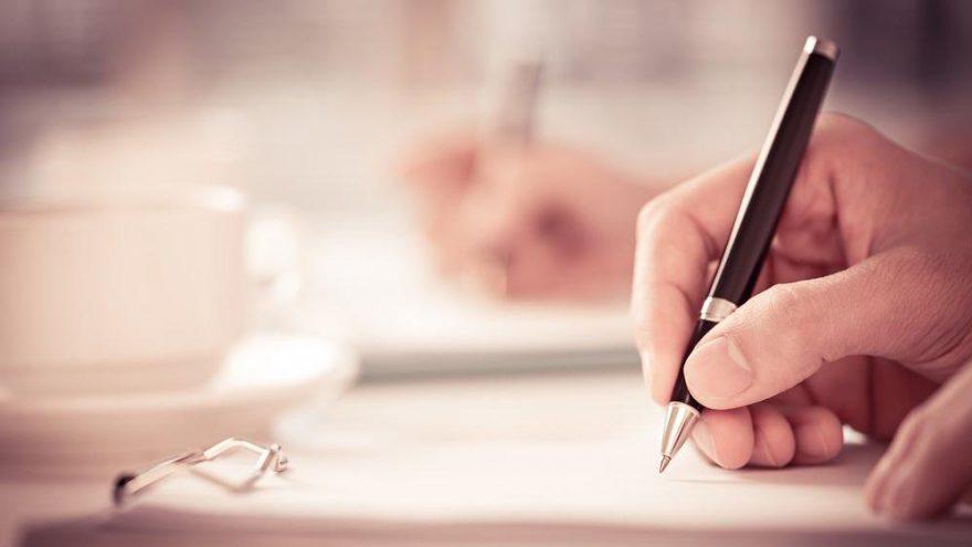 Başlı başına nasıl yazılır? TDK'ya göre 'başlı başına' bitişik mi ayrı mı yazılır?
