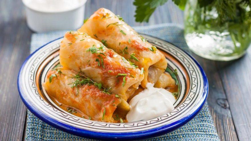 Kıymalı lahana sarması tarifi… Lahana sarması nasıl yapılır?