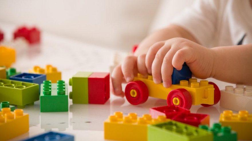 1-2 yaş oyuncak seçimi nasıl olmalı?