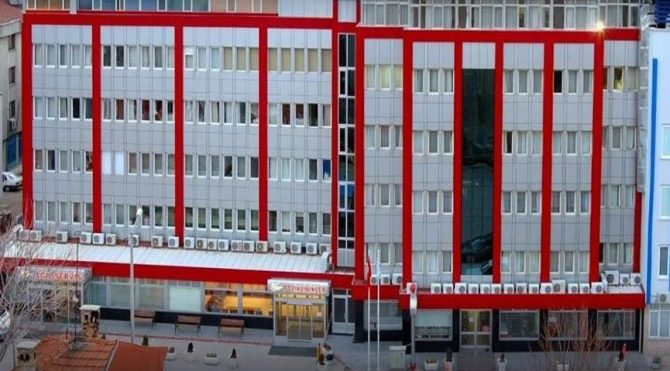 Borç içinde yüzünde yüzen AKP'li belediyeden satılık hastane