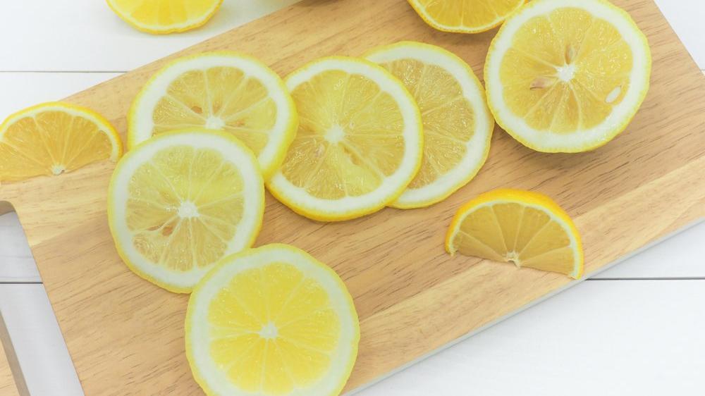 Uyurken yanınıza limon koymanın faydaları
