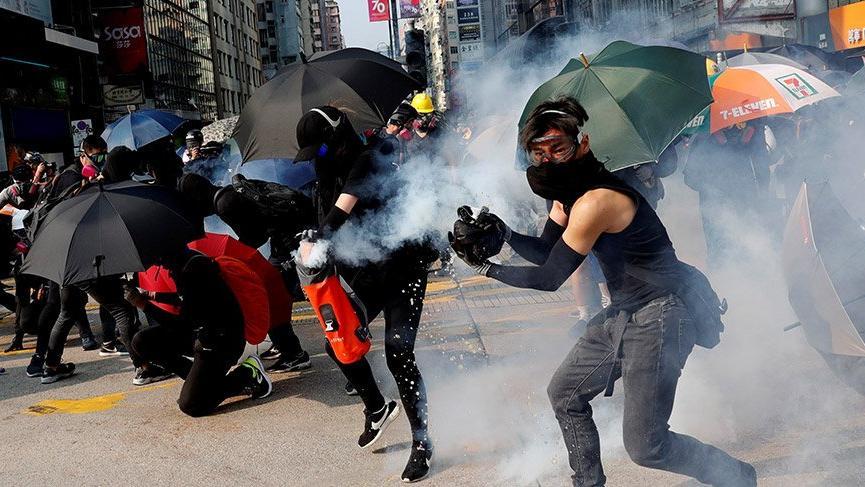 Pence'den Hong Kong'daki protestoculara 'yanınızdayız' mesajı