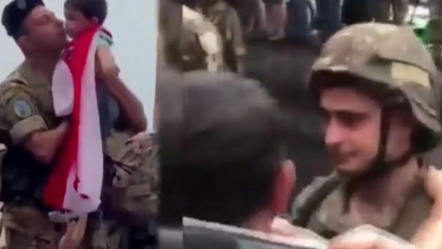 Lübnan'da protestocular ve askerler arasında duygusal anlar