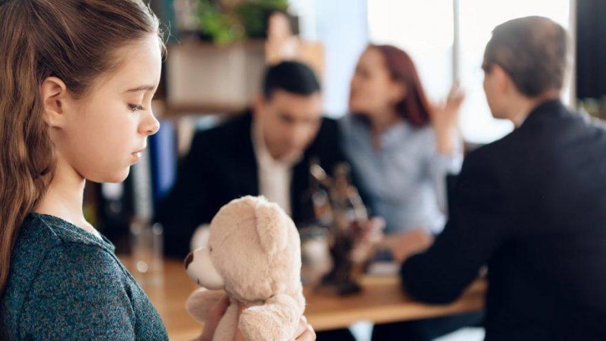 Boşanma çocuğu nasıl etkiler?
