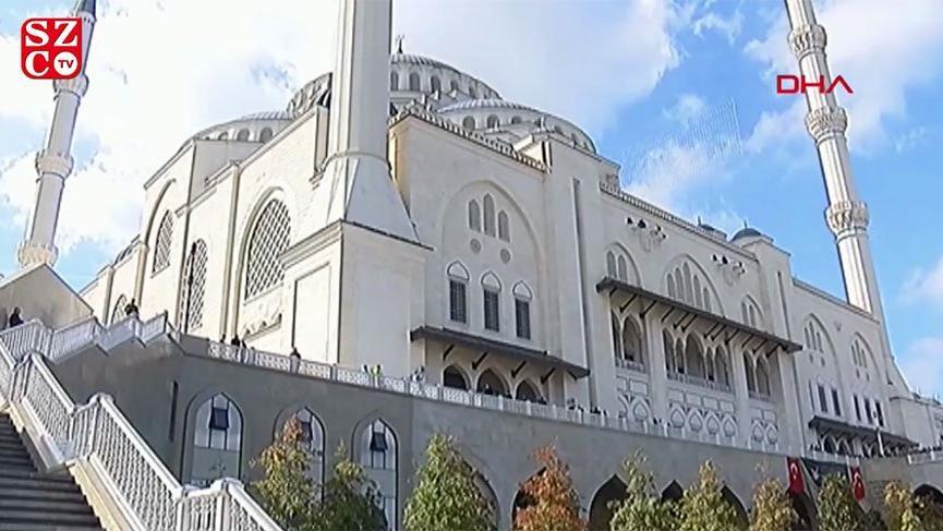 Cumhurbaşkanı Erdoğan, Çamlıca Camisi'nde cemaate seslendi