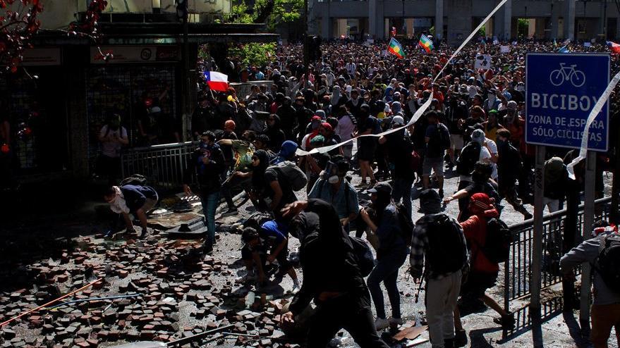 Şili'de zam protestolarında ölü sayısı artıyor