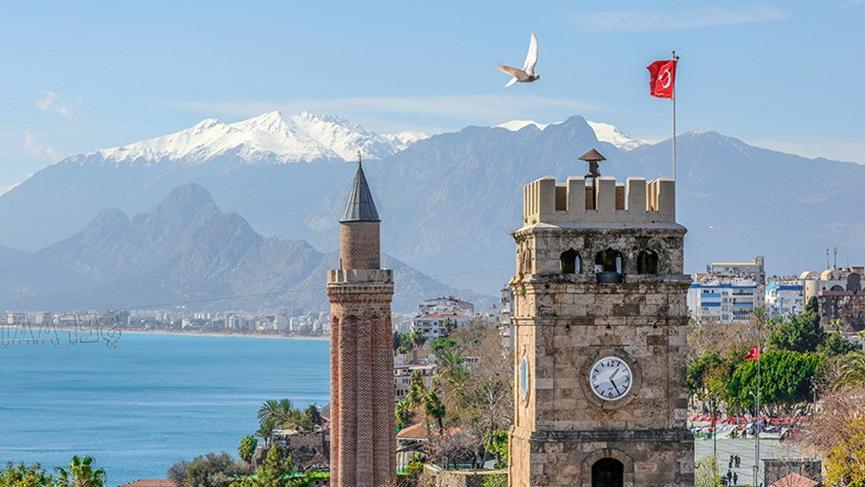 Antalya'ya gelen turist şehri görmeden gidiyor