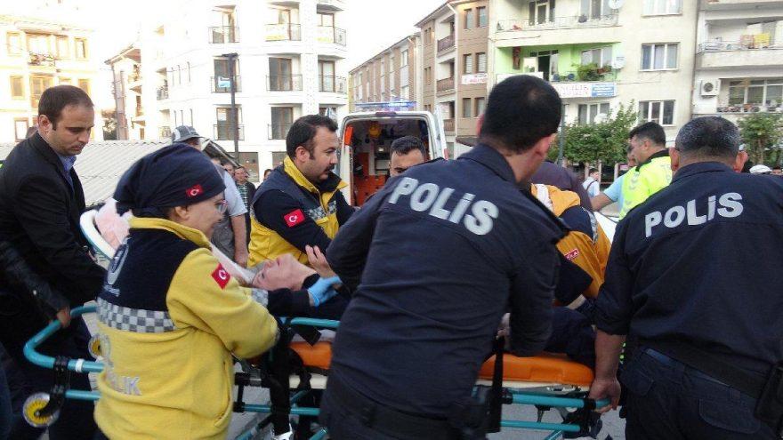 Otomobilin çarptığı genç kadın yaşamını yitirdi