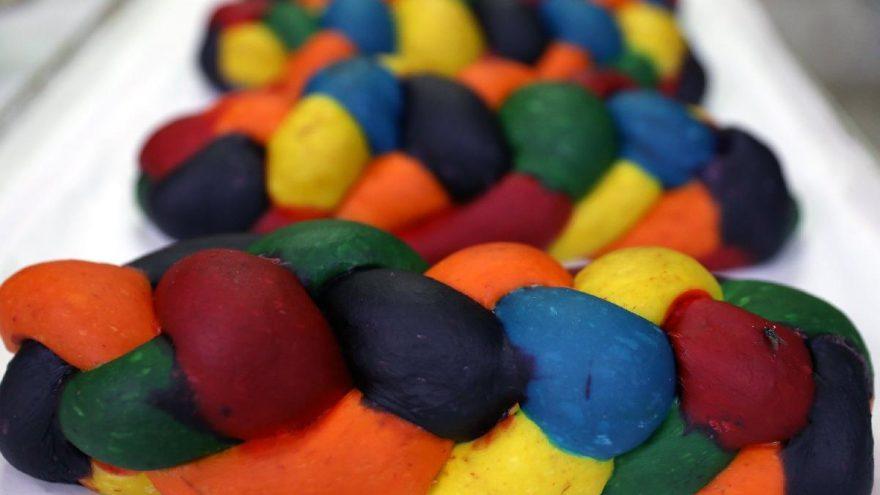 Masanızı renklendiren ekmekler!