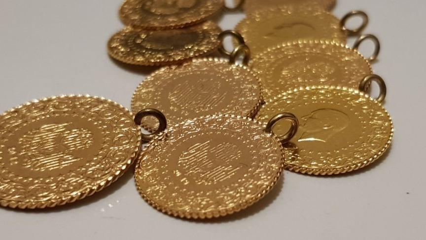 Altın fiyatları güne düşüşle başladı! İşte çeyrek ve gram altın fiyatlarında son durum…