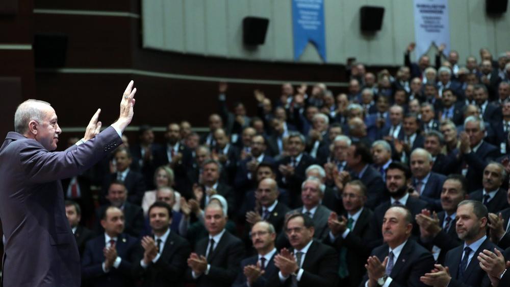 AKP'de Yeneroğlu sancısı! En az 10 vekilin daha istifası konuşuluyor