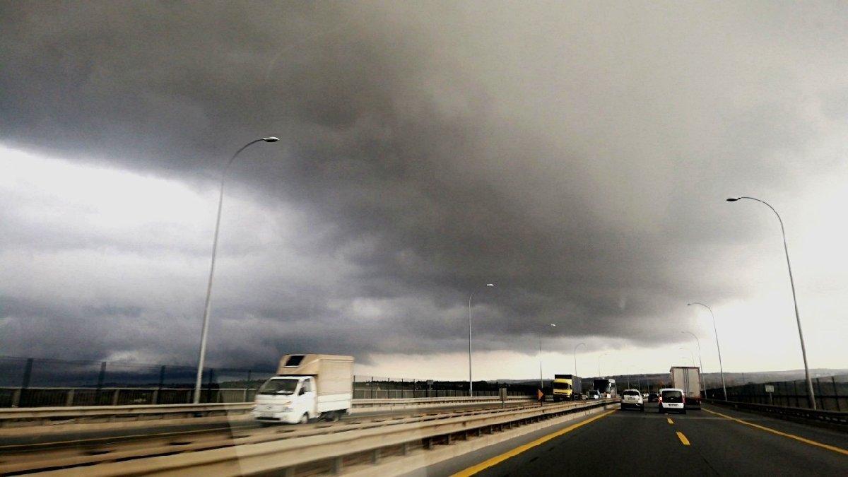 Son dakika: İstanbul'u kara bulutlar sardı! Yağış ne zamana kadar sürecek?