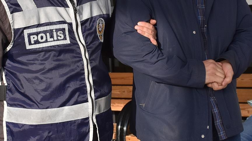 İzmir merkezli 2 ilde FETÖ operasyonu