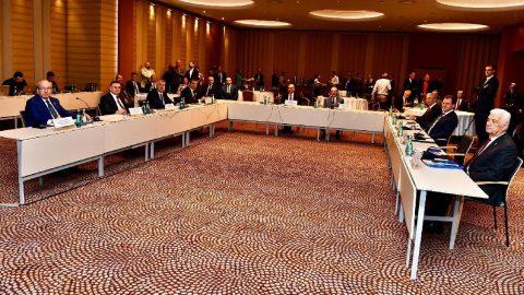 CHP'li büyükşehir belediye başkanları İzmir'de toplandı