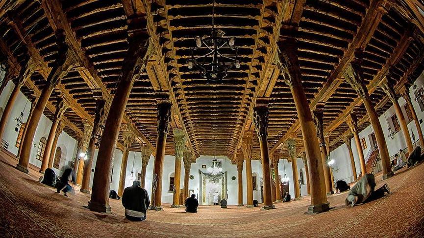 742 yıllık Ulu Cami göz kamaştırıyor