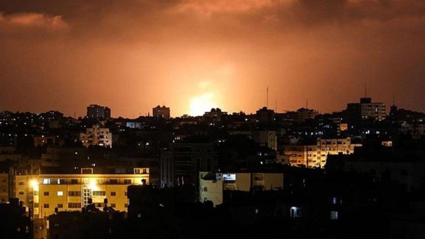 İsrail ordusu Gazze'yi bombaladı