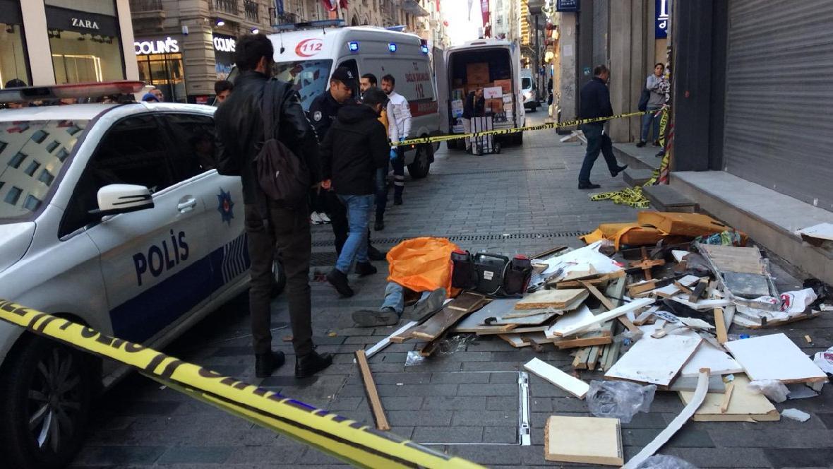 Beyoğlu'nda işçi ölümü... Altıncı kattan düştü, feci şekilde can verdi