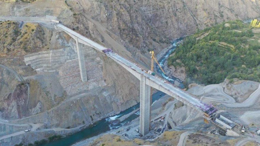 Türkiye'nin en yüksek köprüsü Bitlis'te yapıldı