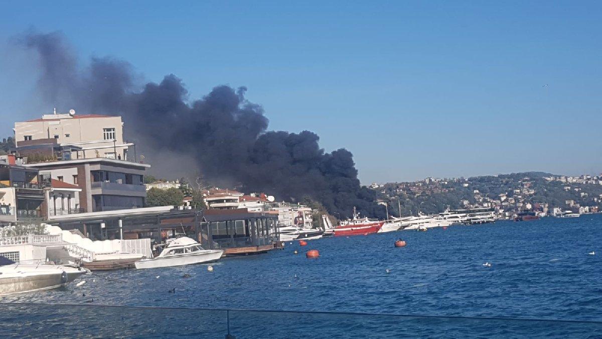 Bebek sahilinde tekne yangını