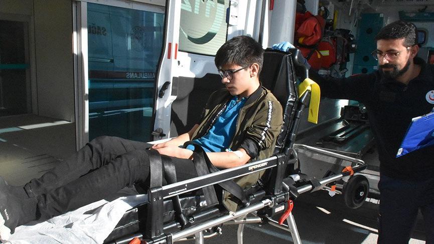 Döner yedikten sonra rahatsızlanan 5 liseli, hastaneye kaldırıldı