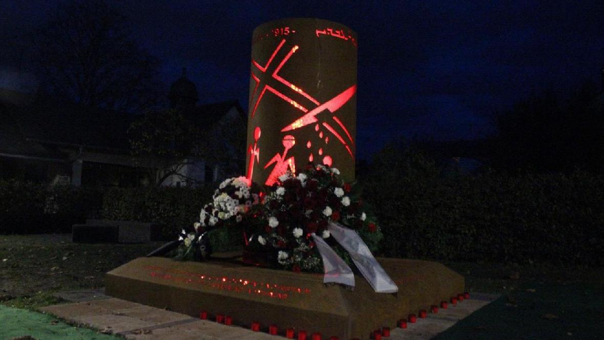 Almanya büyük skandal! Anıt diktiler