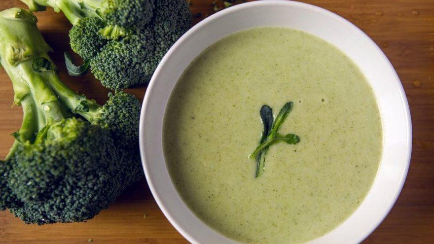 Kremalı brokoli çorbası tarifi… Havuçlu patatesli kremalı brokoli çorbası