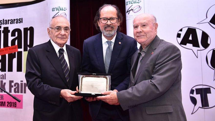 38. Uluslararası İstanbul Kitap Fuarı'nda onur ödülleri takdim edildi