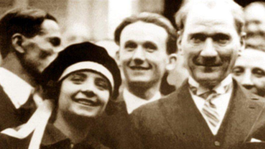 Gülümseyen Atatürk fotoğrafları