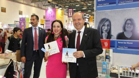 KKTC Başbakanı Tatar'dan yazar kızına destek