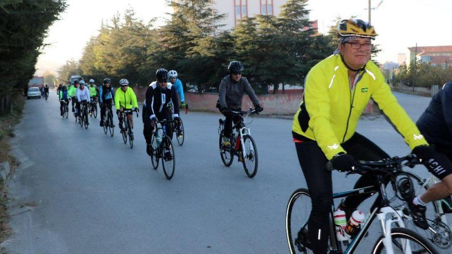 Ata'nın huzuruna çıkmak için 630 kilometre pedal çevirecekler