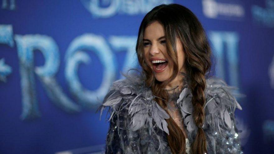 Selena Gomez kardeşiyle ilk kez Frozen 2 galasına katıldı