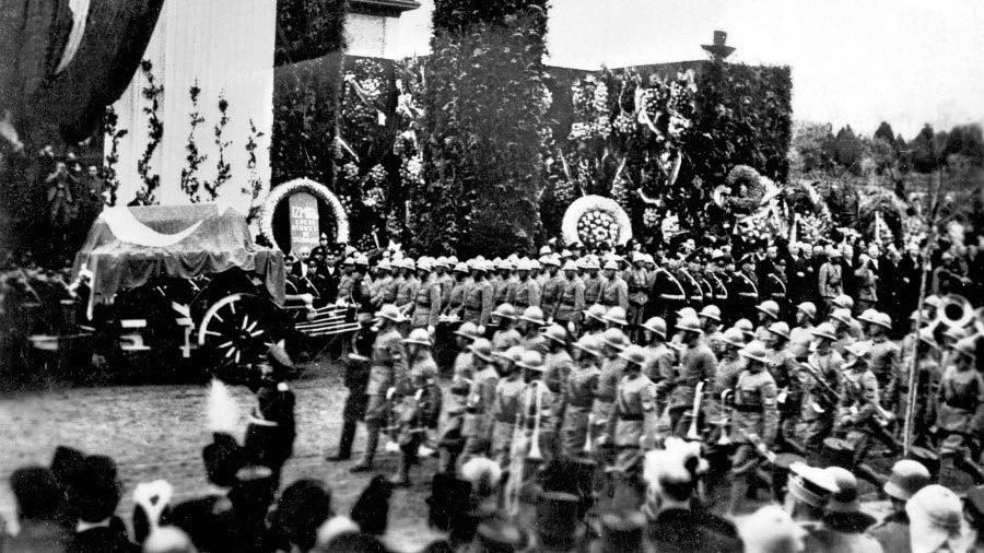 10 Kasım 1938 Atatürk'ün vefatında yayınlanan fotoğraflar