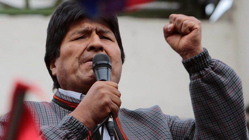 Devlet başkanı darbeye karşı halkı sokağa çağırdı!