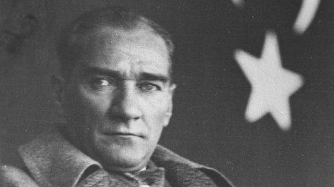 Atatürk mesajları: Atatürk'ü anma şiirleri ve sözleri! 10 Kasım'da Mustafa Kemal Atatürk'ü saygıyla anıyoruz…