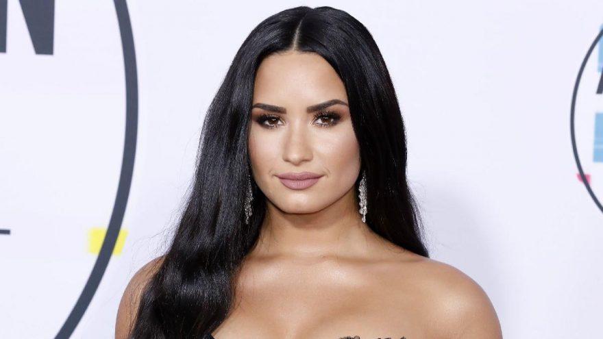 """Demi Lovato: """"Bence göbek adım 'Direnç' olmalıydı"""""""