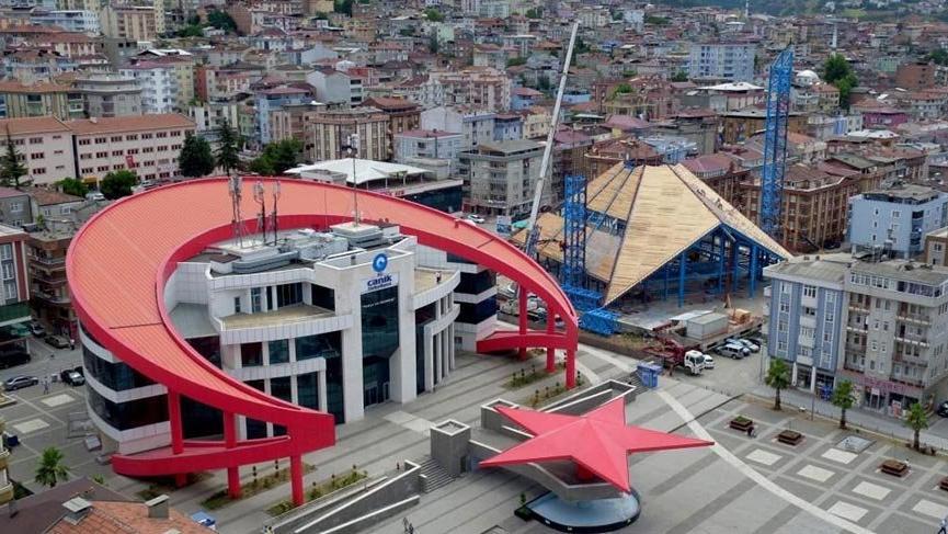 AKP'li belediyeye borcu yüzünden haciz geldi