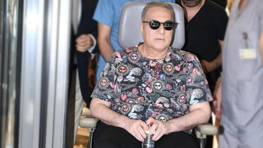 Mehmet Ali Erbil'in doktorundan ameliyat açıklaması