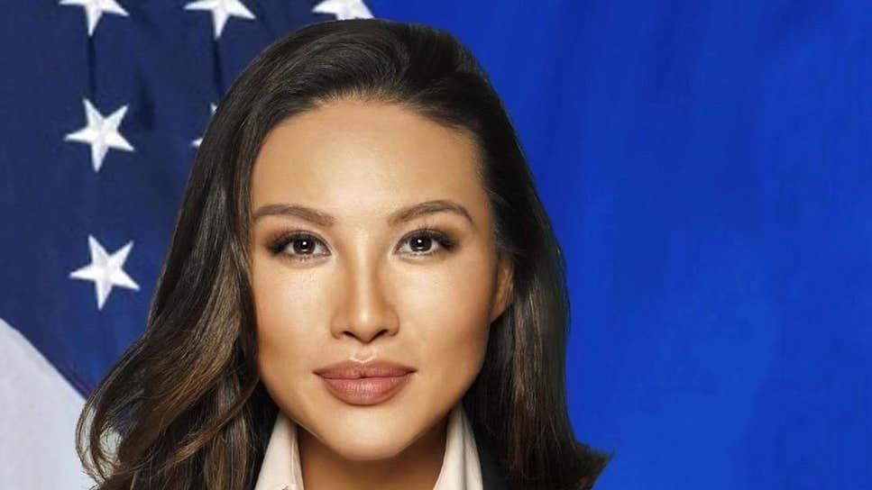 Washington'da sahte CV skandalı: Genç kadın gündemi allak bullak etti