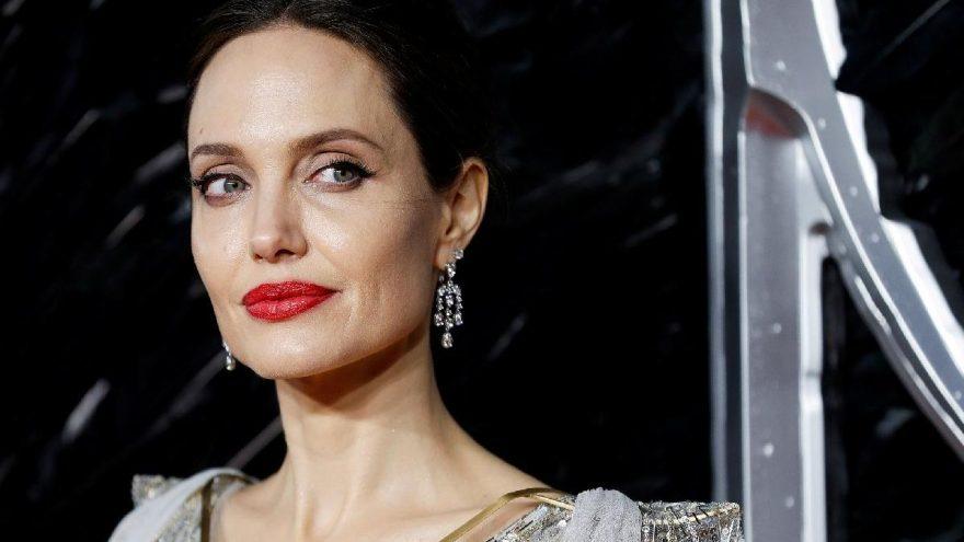 Angelina Jolie'nin kini bitmiyor