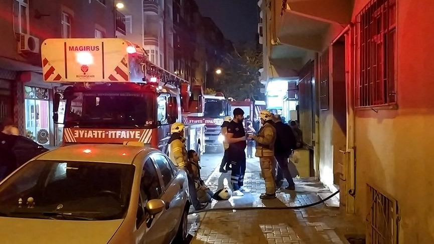 İstanbul'da korkutan yangın! Mahsur kalanlar oldu