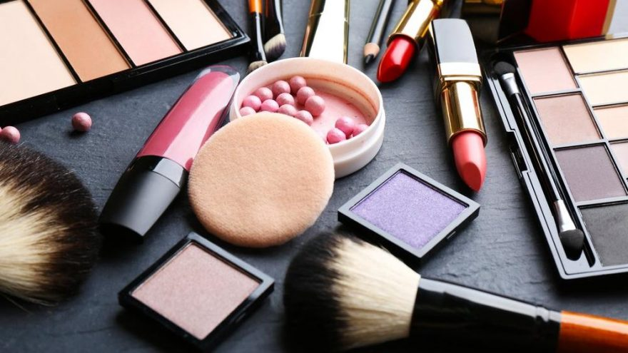Kozmetik ürünlerindeki büyük indirimlere dikkat!