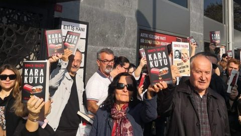 Beşiktaş'ta 'Kara Kutu' izdihamı!