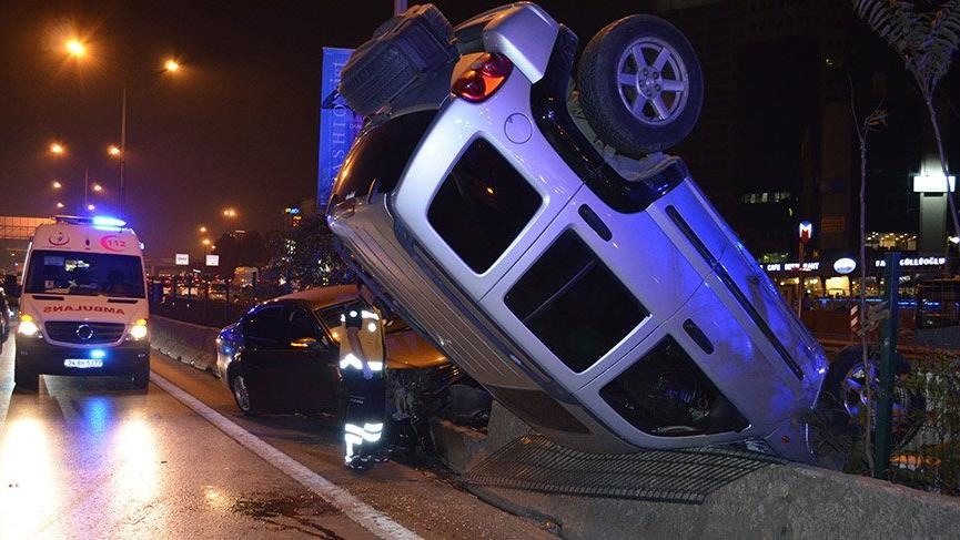 Kadıköy'deki zincirleme kaza trafiği felç etti