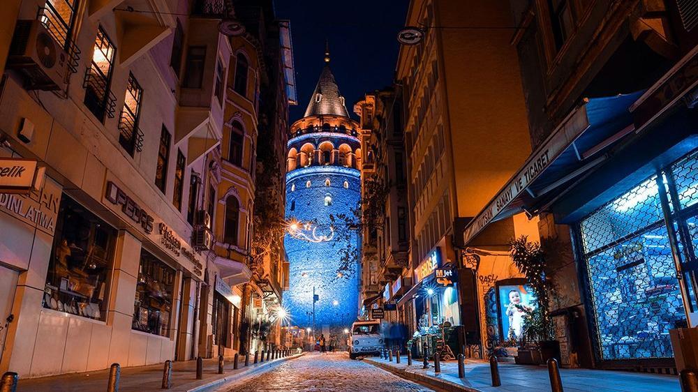 Galata Kulesi çocuklar için mavi renge bürünecek