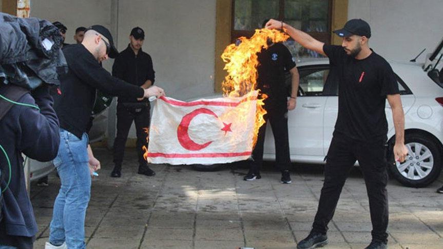 Rum yönetiminden KKTC bayrağı açıklaması
