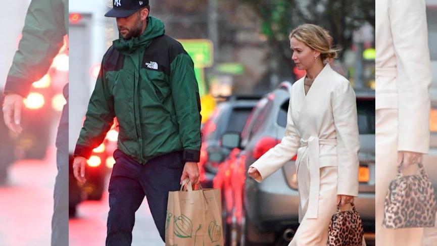 Jennifer Lawrence Türk markasına ait çanta tercih etti