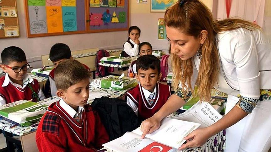 24 Kasım Öğretmenler Günü'ne buruk kutlama!