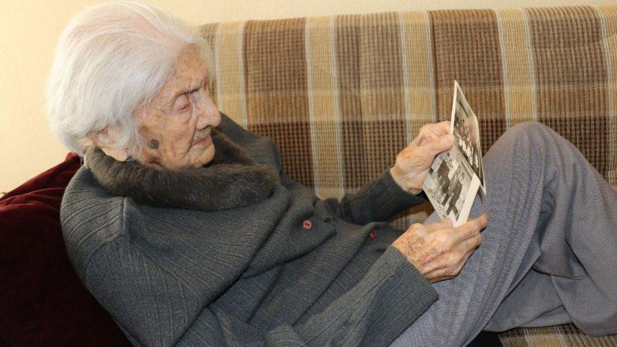 105 yaşındaki Mukime öğretmenin 24 Kasım mutluluğu