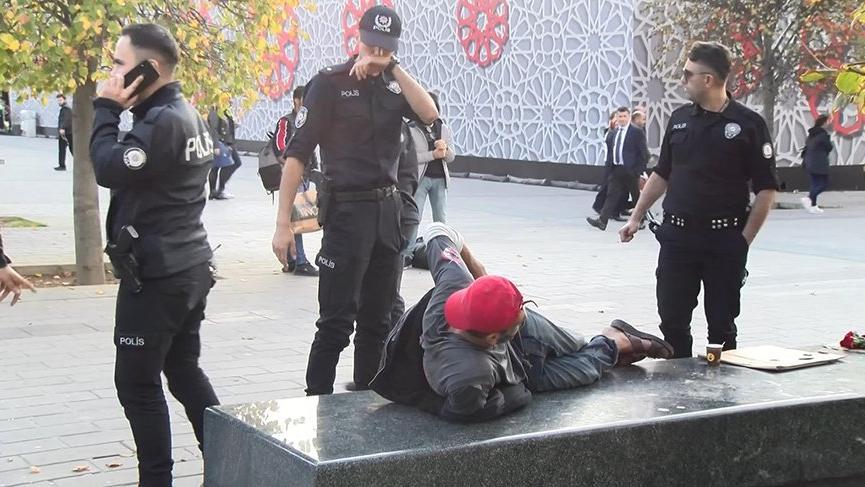 Taksim'de kavgada kağıt toplayıcısı yaralandı